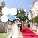 花嫁の憧れ大階段でのアフターセレモニー