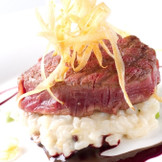 ゲストも期待するお肉料理!ボリューム満点の美味しいお料理でゲストをおもてなししましょう!