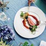 ソースまでこだわったキュイジーヌは幅広い年齢層に支持され、レストランでも人気。