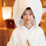 白無垢の花嫁姿は、両親や祖父母も微笑む!神殿での結婚式はもちろん、和装の写真を残したいカップルも神殿「双鶴」でゆっくり撮影して!