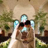 【ヴァーツラフ教会】雪の舞うチャペルで、永遠の誓いを・・・