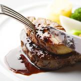 【Princess Story】 牛フィレ肉のステーキ フォアグラ添えペリグーソース