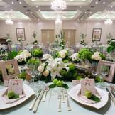 2階の披露宴会場は3大天使の名前を持つミカエル。最大100名様まで着席可能。