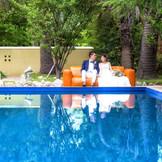 会場には専用のガーデンが。プール付きのガーデンもあるのでリゾートな雰囲気が味わえます。