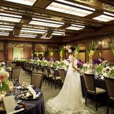 贅沢な和の装飾が施された和室宴会場。見たこともないような空間では和装はもちろん、ドレス着用の方にも大人気!