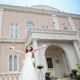 ウェディングドレスが栄える結婚式場