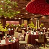 ▲グランドホテル浜松ならではのパーティ会場、料亭・聴涛館「大広間」。100名様まで収容可能。会場内には能舞台も備えられており、サプライズ入場などの演出が人気!