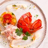 「Leafia」のオープンキッチンからはライブ感溢れるお料理が提供される!