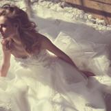 桂由美のウェディングドレス。デザインはもちろん、シルエット、素材にまでこだわりのある最高級のドレス。