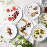 季節によってメニューも様々にご用意♪ 色とりどりのお料理で、結婚式を華やかに彩る♪