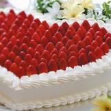 オリジナルのウエディングケーキも。