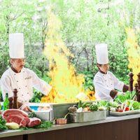 オープンキッチンでは作りたてのお料理を提供致します!