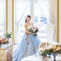 花嫁姿を輝かせる厳選ドレスが常時200点以上。ご試着も随時承ります♪