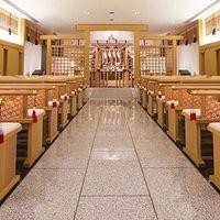 「みくまの杜瑞垣殿」由緒正しい神殿式が叶う。 収容人数80名までと横浜エリア指折りの席数を誇り、親族だけでなく友人にも見守ってもらうことが出来る