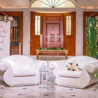 高砂関を設置せず、お二人用のソファーを用意し、ゲストの皆さまとの歓談を楽しみながら披露宴を行うことも可能です!