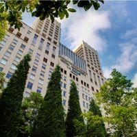 水と緑に囲まれた大阪ビジネスパークの一角にあり各方面からも好アクセス!