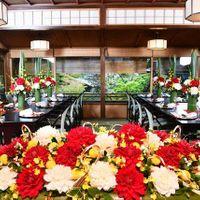 東京芝とうふ屋うかい 向月の間 60名までのご披露宴対応  装花に竹の器を使って、和風の雰囲気がさらにアップ まっすぐに伸びる竹のように 強風にも折れない力強さ 節目を大事にする気持ち
