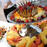 ガーデンでのデザートビュッフェ♪ 季節のフルーツや多種類のケーキなど女性には嬉しい演出ですね☆