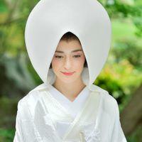 息を呑むほど美しい、日本の伝統衣裳で神前式を。