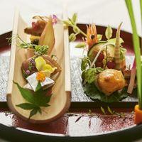 幅広い年齢層に楽しんでいただける和食。富山の旬の食材が彩る