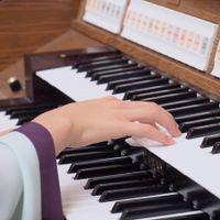 イタリアの教会からから受け継いだパイプオルガンの生演奏♪