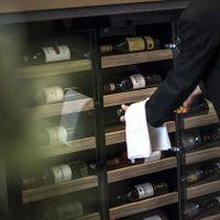 様々な種類のワインもご用意しております。料理はもちろんのこと、飲み物に関してもおもてなしに直結すると考えております。
