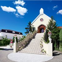 ヨーロッパの雰囲気が漂う敷地内に佇む、独立型チャペル「セント・ピーターパリッシュ教会」