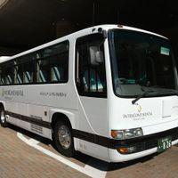 シャトルバスの送迎があります。JR/モノレール浜松町駅⇔ホテル正面玄関前【所要時間】5分 JR品川駅⇔ホテル正面玄関前【所要時間】20分