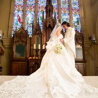 神聖な輝きを放つ英国生まれの大聖堂。そこに流れる空気は穏やかで、幸せな結婚式の歴史を感じさせる
