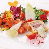 一つ一つの素材にこだわった前菜は、目で見ても楽しめる。ゲストからもかわいい!!と喜ばれます。