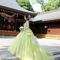 絶妙なグリーンのカラードレス