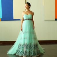 テーマに合わせたカラードレスを選んでも素敵