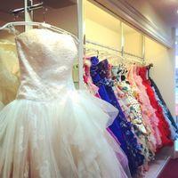 レアントの衣裳室 ブライダルハウスBiBiです☆ 「すべての花嫁に、キレイの魔法を。」のコンセプトのもとオリジナルドレスをはじめ、ヘアメイク、アクセサリー、ブライダルエステ、当日のスタイリングまでトータルプロデュースを致します♪