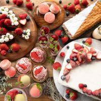 〈コンクール受賞の感動デザート〉 『デザートを極めたい』と常に探求し心に残る美味しさを心がけ、デザートで特別な1日を印象的に彩ります。