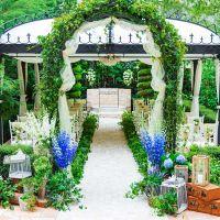 ガーデン挙式が叶うパヴィヨン(ウェディングテント)。挙式はガーデンと室内チャペルが選べる