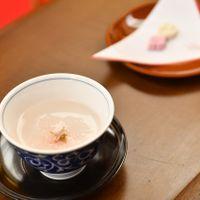 芽出度い佳き日には桜湯が必須 緊張をほぐすためにも一口どうぞ ホッと一息