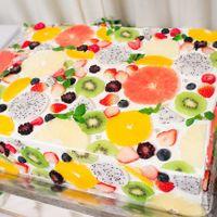 流行のウエディングケーキ