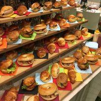 ウェルカムフードに和食のお惣菜が入ったサンドイッチもおふたりらしさのひとつ!