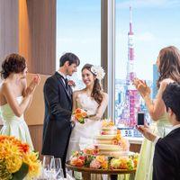 間近に東京タワーを臨める景色も自慢のバンケット。