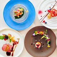 旬の食材、彩り、お皿などすべてにこだわったお料理でおもてなし