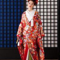 呉服店から始まった式場のため、和装の種類も豊富!!  白無垢・色打掛・本振袖など幅広いご希望に対応♪