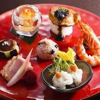 フォアグラ寿司などアイデアのある料理を提案。