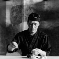 幅広い年齢層の方に喜ばれる和食料理長による〈いとをかし〉は熊本のゲストハウスでは希少な和会席コース。巧みに味わいを引き出す日本料理の伝統と、おいしさを追求した特別なコース。