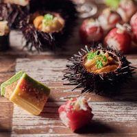 阿蘇が秘める「食」の可能性を婚礼料理でカタチにしたい。食材のおいしさを最大限に活かす職人の技が光る絶品和会席の数々。おいしいおもてなしで感謝の気持ちを伝えられる。