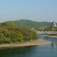 披露宴会場から、岡山城・後楽園・旭川を一望できます。