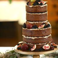 ウェディングケーキも希望に合わせて!