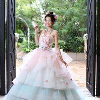 人気のカラードレス♪ドレス種類は豊富で多数種類から選べるので新婦様に好評♪ 最新ドレスも!