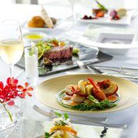 皆目にも美しい料理にゲストからも感嘆の声があがる。