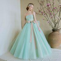 オリジナルブランドドレス「THE LOVEL」気になるドレスはブライダルフェアで試着を♪
