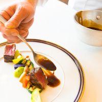 ソースの1滴まで手作りだから、日本人にも食べやすいフレンチメニューです。細かな要望もシェフにご相談下さい。